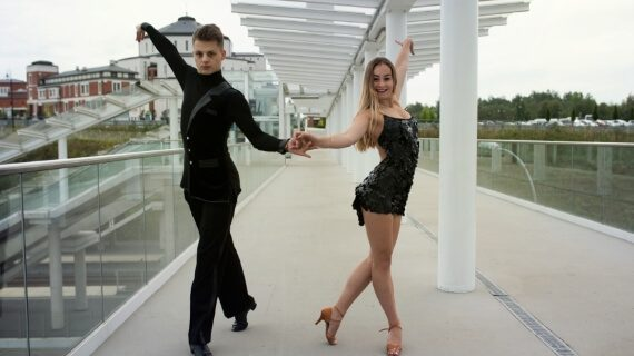 Taniec nowoczesny z elementami tańca towarzyskiego 2